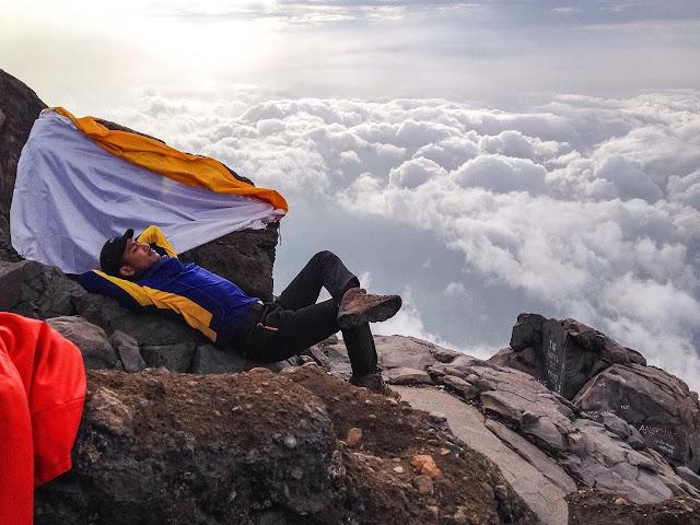 Pendakian Solo Hiking Gunung Agung Bali Via Pura Pasar Agung
