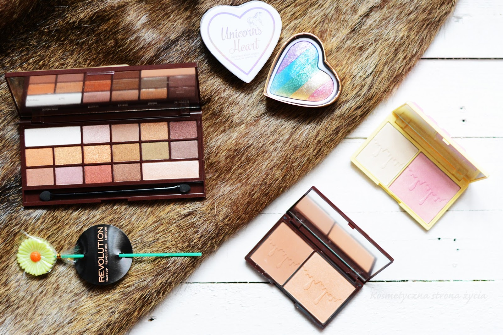 Makeup Revolution Retro Luxe, Golden Bar, Bronze and Glow, Light and Glow, Unicorns Heart