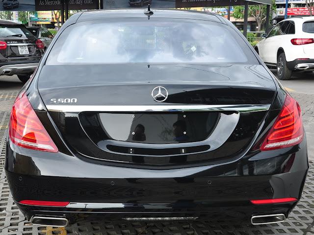 Đuôi xe Mercedes S500 L 4MATIC thiết kế lịch lãm