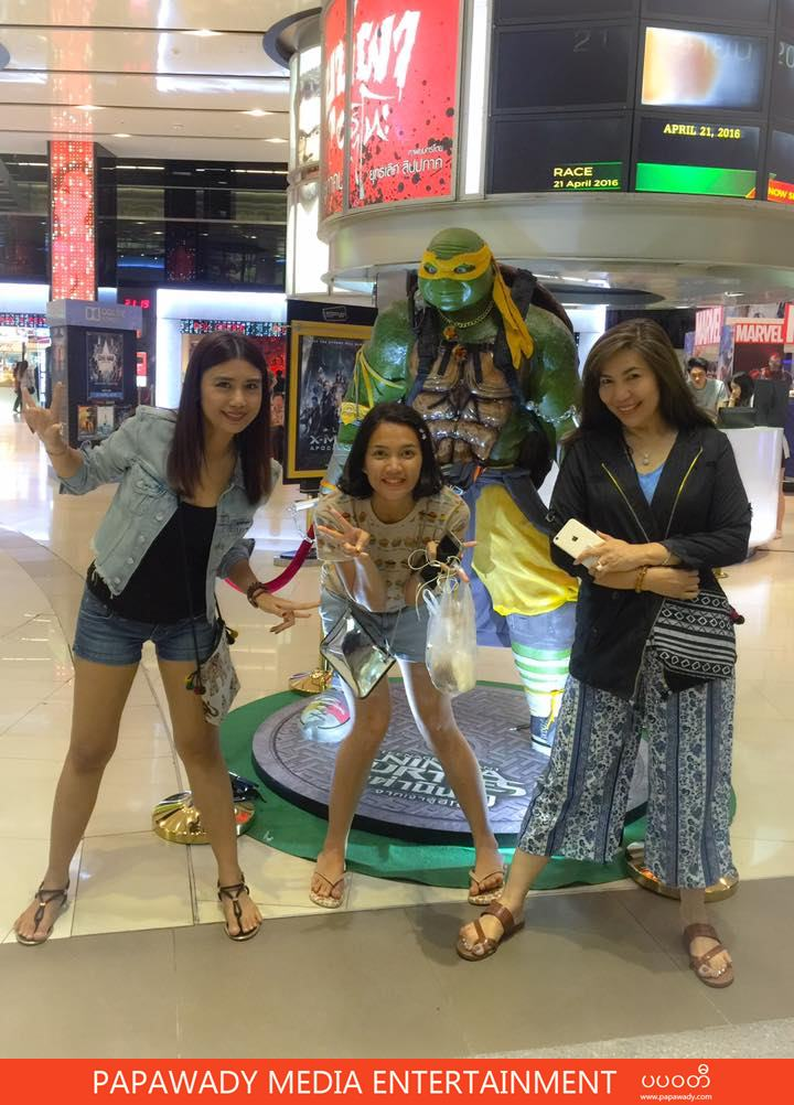 Khine Thin Kyi , Aye Myat Thu and May Khalar Enjoying Together in Bangkok Shopping Malls , Eating and Movie Time