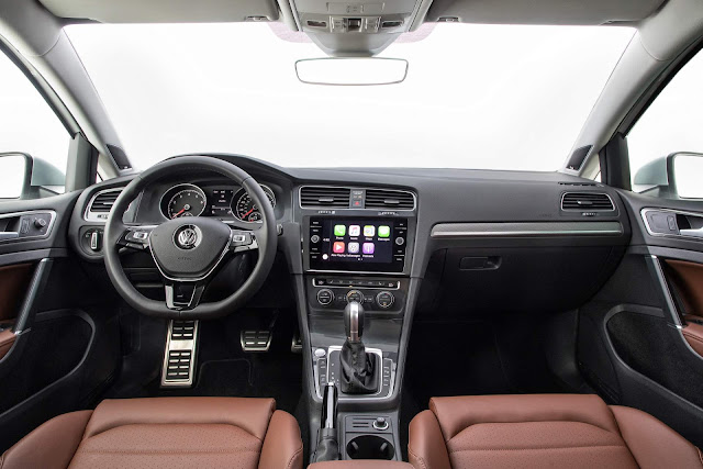 VW Golf Alltrack 2018 - interior