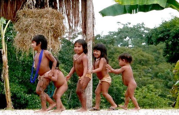 Educação infantil indígena: o que é melhor para os curumins?