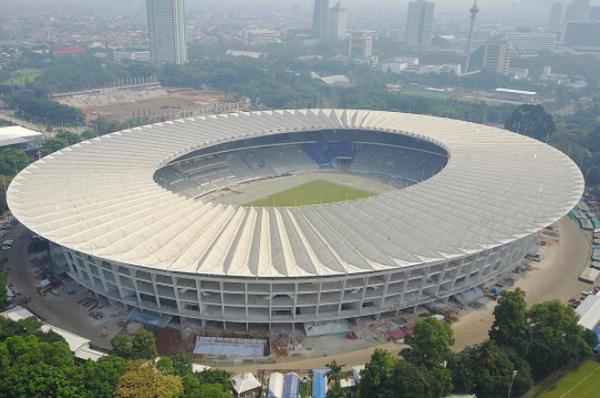 (Foto) Rumput Stadion GBK Gunakan Jenis yang Sama dengan Allianz Arena