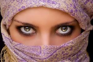 Cara Menghilangkan Bercak Coklat Pada Bagian Putih Mata
