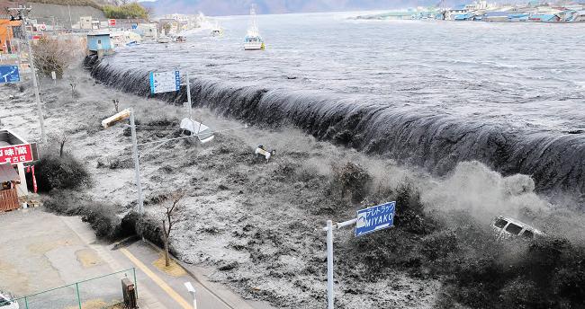 Εικόνες από ένα εφιαλτικό μέλλον περιγράφουν επιστήμονες: Δυνατές καταιγίδες, κυκλώνες & άλλα ακραία καιρικά φαινόμενα!