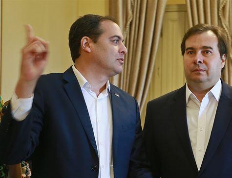 """Maia e Paulo têm discurso afinado sobre """"ajuda"""" a PE"""