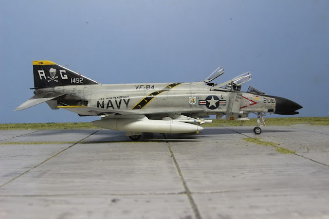 Galerie photos de la maquette du F-4B Phantom II d' Eduard au 1/48.