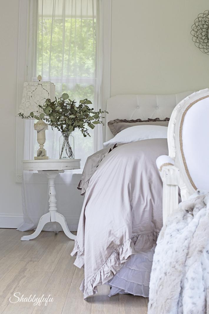 winter bedroom decorating
