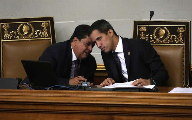 Direita venezuelana acusa Guaidó de conspirar com Maduro