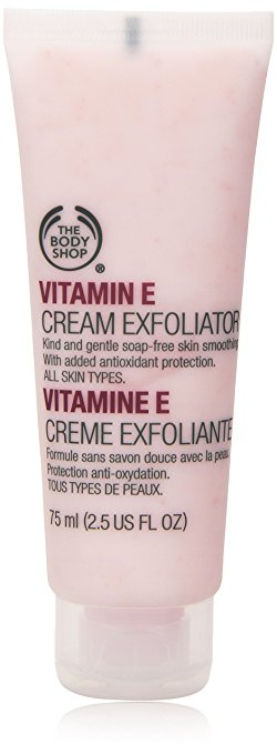 Beauty blogger, skincare, 7 best face scrub for dry skin, scrub for dry skin, best scrub