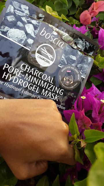 Boscia Charcoal Pore-Minimizing Hydrogel Mask essence - www.modenmakeup.com