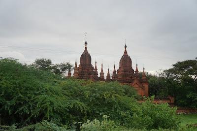 Candi dan Pagoda di Kota Bagan