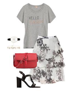 Consultoria de imagem - rita completo - look em tons de cinza - saia floral , t-shirt estampada, sandálias pretas e mala vermelha