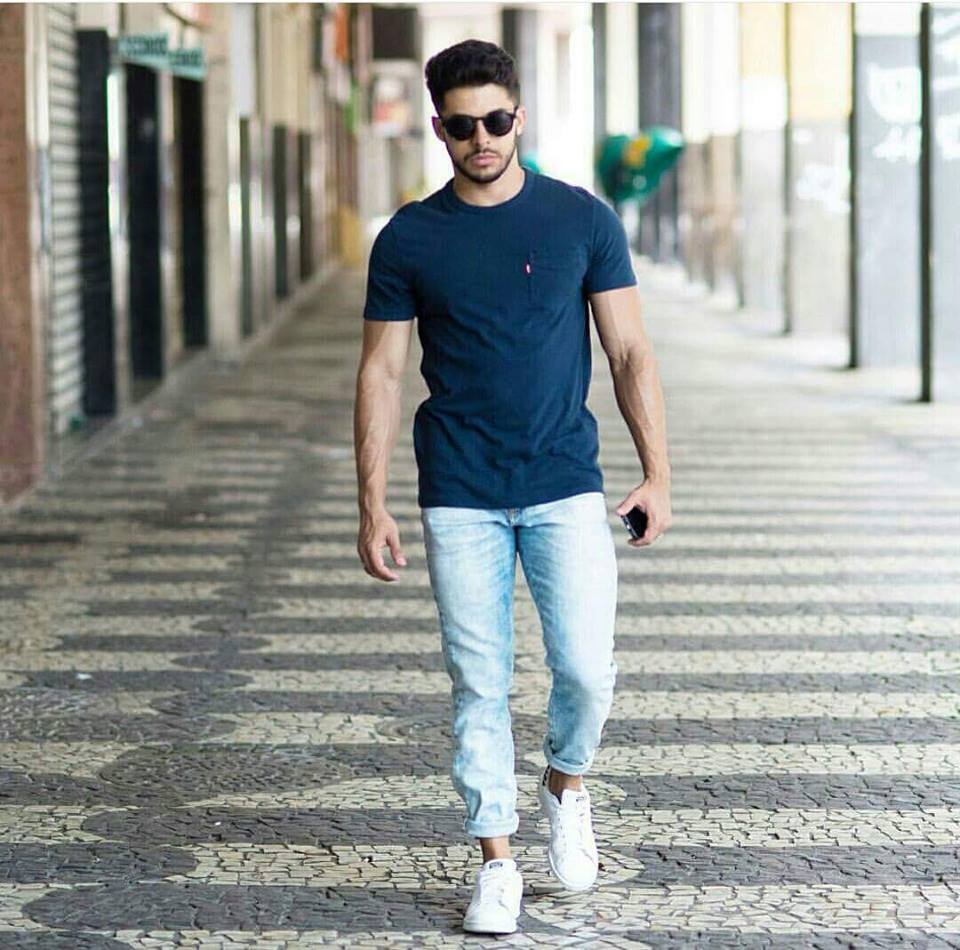 Discover our stylish range of men's vacation clothes at ASOS. Our vacation clothes for men include all your summer fashion essentials from chinos to t-shirts.