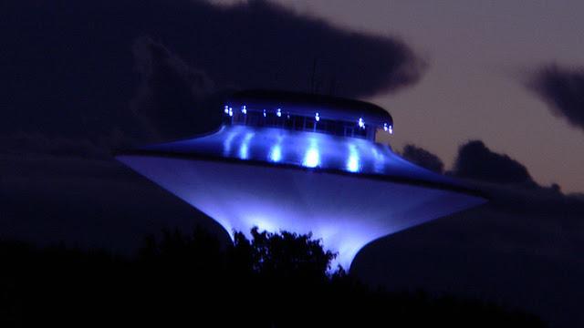 """""""Emails"""" de Podesta: El Vaticano sabe que hay extraterrestres y la guerra espacial es inminente"""