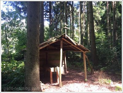 Futterkrippe im Wald
