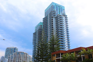 meritonapartments.com.au - Meriton Broadbeach‎