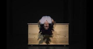 """""""Απόκοπος"""" του Μπεργαδή, σε σκηνοθεσία Μαρίνας Κακουλλή."""