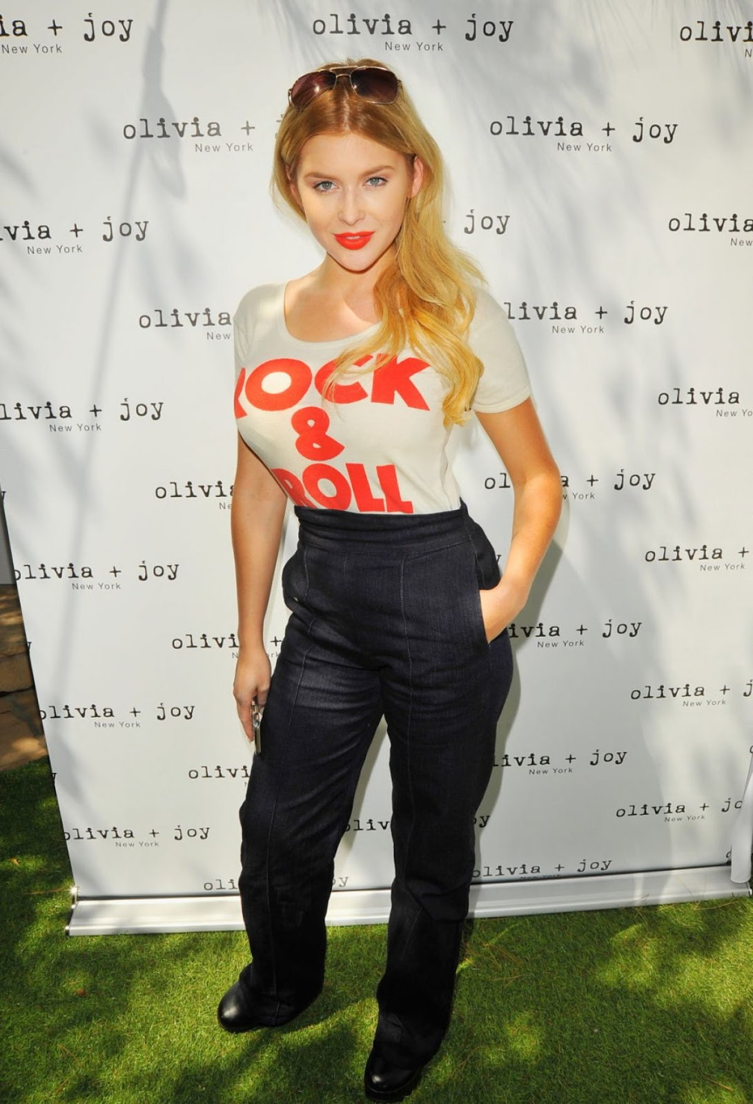 Renee Olstead At Kari Feinstein's Style Lounge In West Hollywood