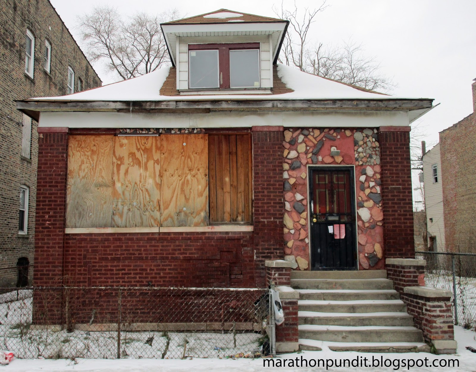 Marathon pundit photos the abandoned homes of chicago 39 s for Bungalow house chicago
