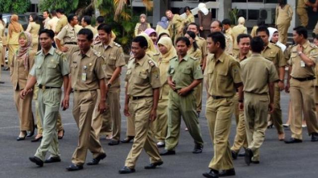 Telat Masuk 5 Menit, PNS Wajib Ganti Setengah Jam