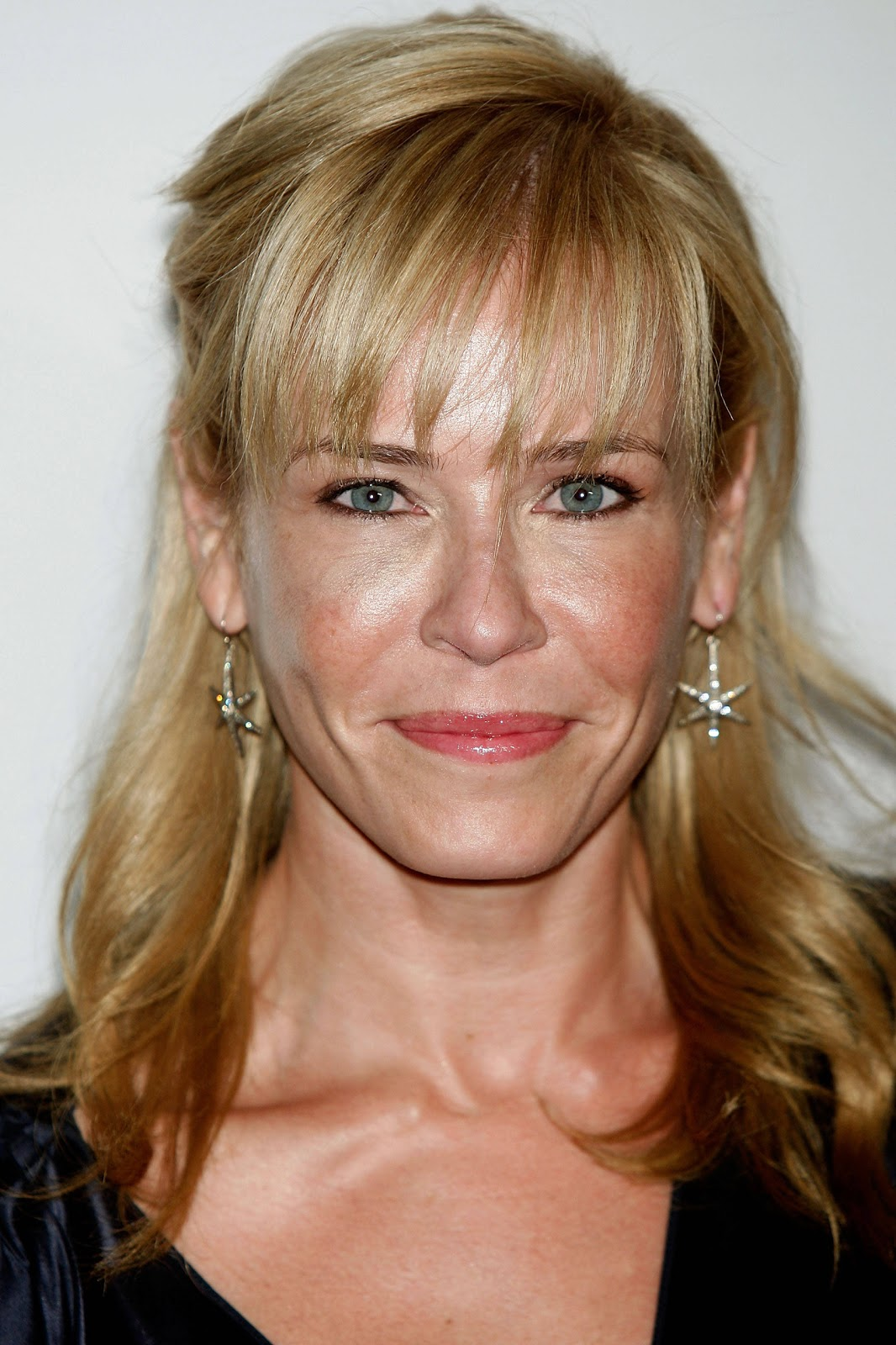 a new life hartz: chelsea handler with different hairstyle
