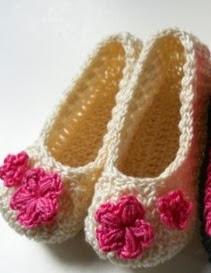 http://translate.googleusercontent.com/translate_c?depth=1&hl=es&rurl=translate.google.es&sl=en&tl=es&u=http://hubpages.com/hub/Crochet-Baby-Shoes-Free-Pattern&usg=ALkJrhiHrgmy1MBc3DeEYpXBo-B_BVD8CA