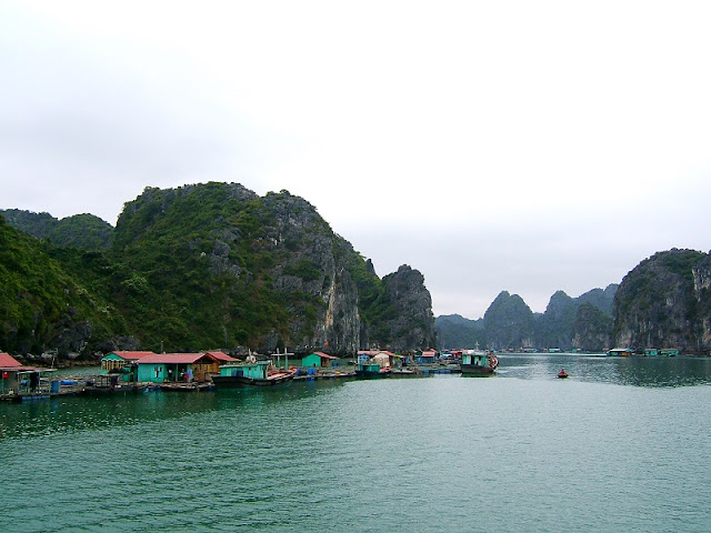 The best experience to do in Halong Bay, Vietnam 2