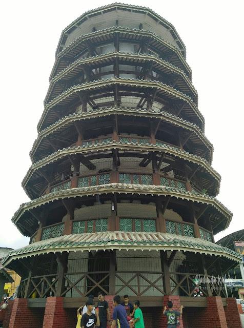 Jalan - Jalan ke Menara Condong Teluk Intan Perak