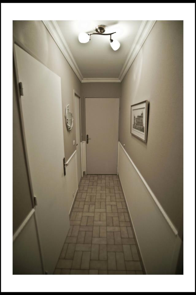 relooker un couloir classique couloir by eichenbaum olia. Black Bedroom Furniture Sets. Home Design Ideas