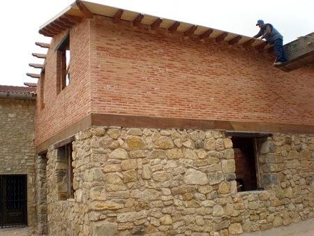 Fachadas de piedra fachadas de piedra y ladrillos rusticos - Ladrillo visto rustico ...