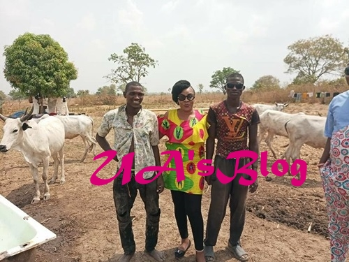 A detribalised  Lady And Staunch Buhari Supporter Identifies With Fulani Herdsmen (Photos)