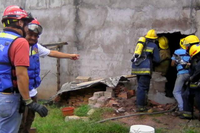 Protección Civil del Táchira apaga incendio con tobos y mueren dos personas carbonizadas