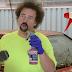 Καθαρίζοντας ένα από τα πιο βρώμικα αυτοκίνητα που έχετε δει (Video)