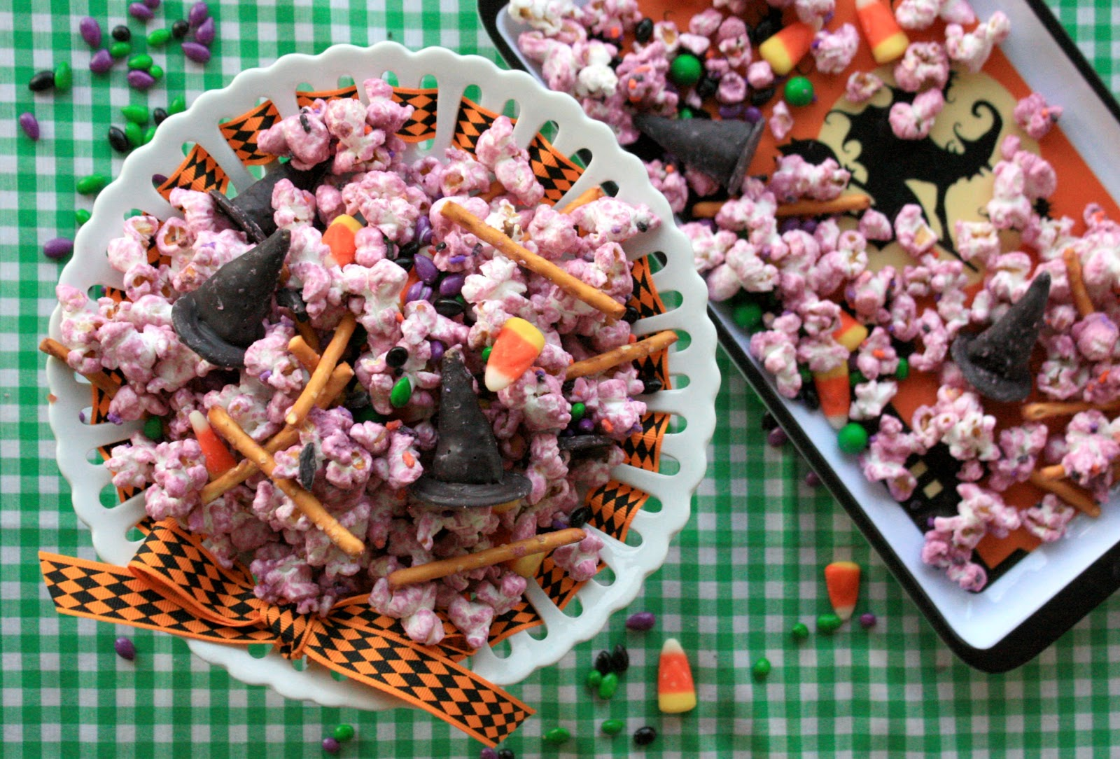 Munchkin Munchies Wicked Witch Popcorn Snack Mix