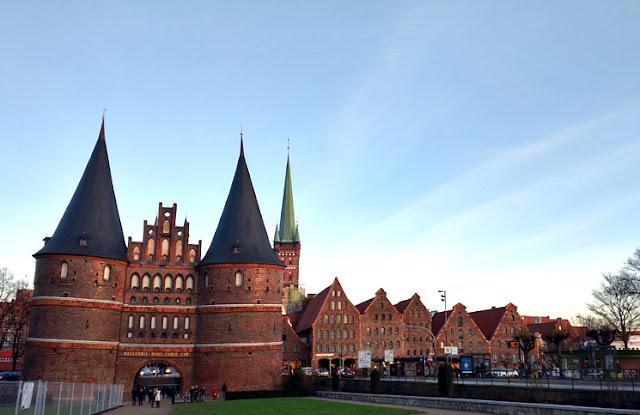 portão Holstentor em Lübeck