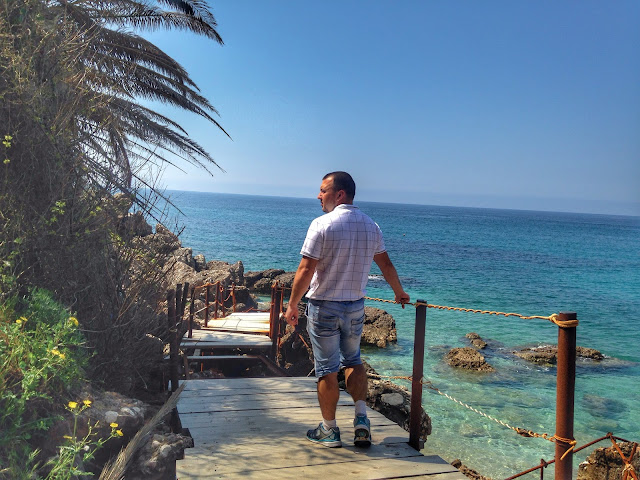 черногория пляж, петровац пляж, лучший пляж в черногории, пляд дробни песок, пляж лучица, пляж булярица, петровац, черногория