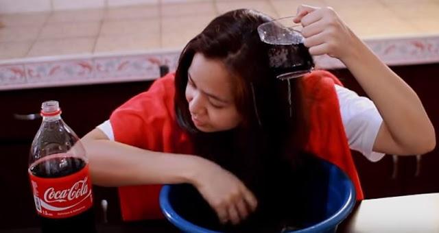 737842995 بالفيديو : غسلت شعرها بالكوكاكولا.. لن تصدق كيف أصبح شعرها الأن · عالم حواء  ...