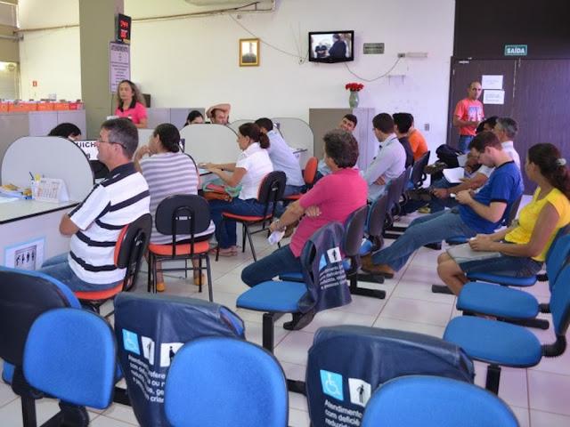 Contribuintes de 14 bairros de Cacoal devem retirar carnês de IPTU na prefeitura