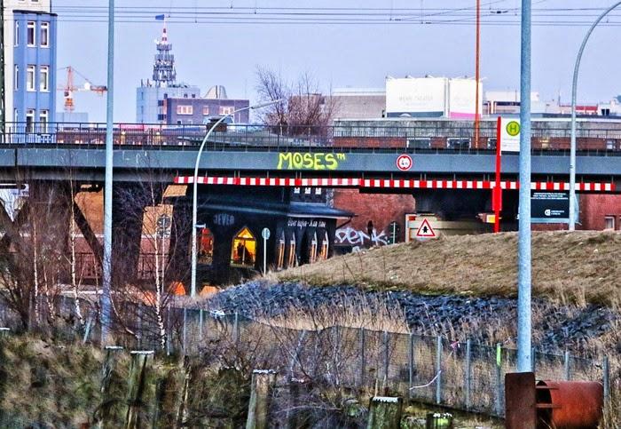 Blick von der Ericusbrücke zur Oberhafen Kantine