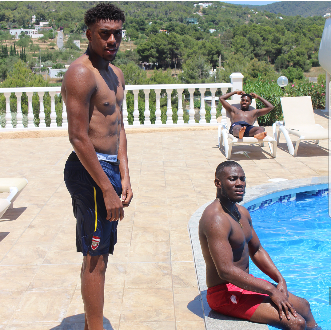 Photos alex iwobi enjoying his summer break at the pool nigerias photos alex iwobi enjoying his summer break at the pool voltagebd Images
