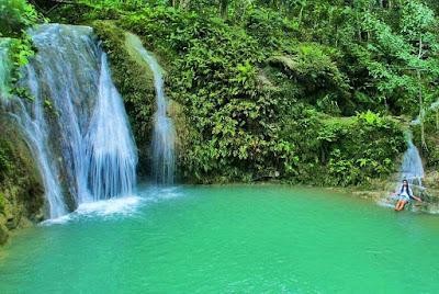 Menikmati jernih dan segarnya Air Terjun Kedung Pengilon di Kasihan Bantul Yogyakarta