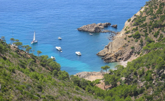 Domingo 19/Junio: Hiking and swimming with children: Cala Egos