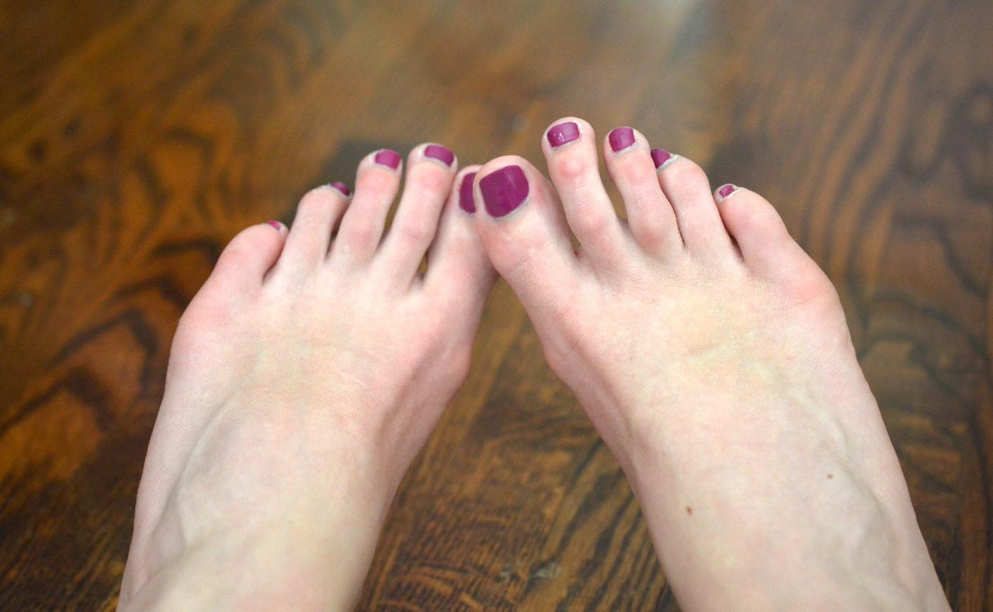 magenta toe polish