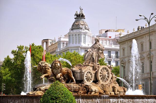 Praça e Fonte Cibeles em Madri