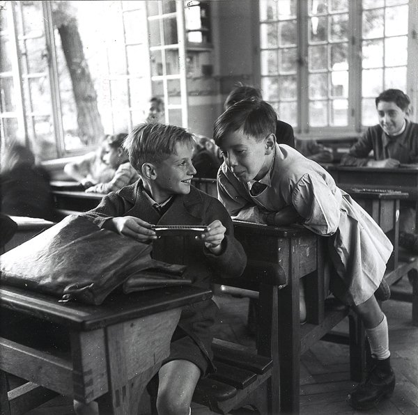 Robert Doisneau, L'Harmonica, 1944