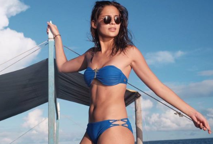 The Best Celebrity with their SUMMER SWIMSUIT 2017