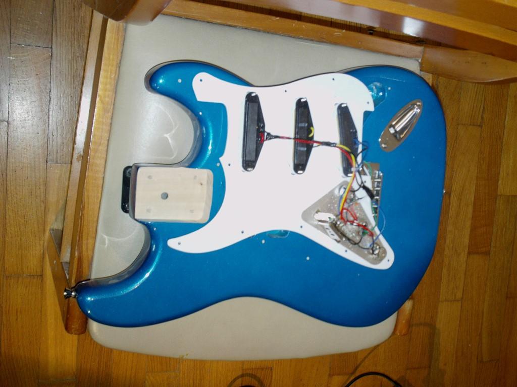 The metallic blue parts-Strat project! | Guitar Dreamer