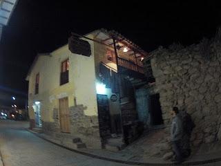 Hora da janta em Ollantaytambo / Peru.