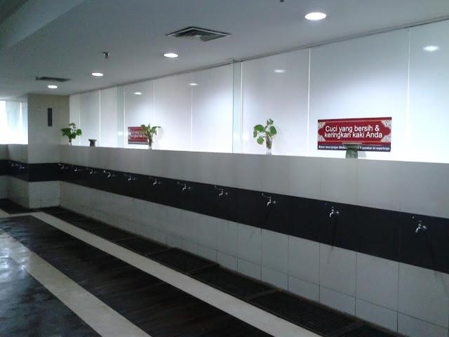 Image result for lantai tempat wudhu masjid